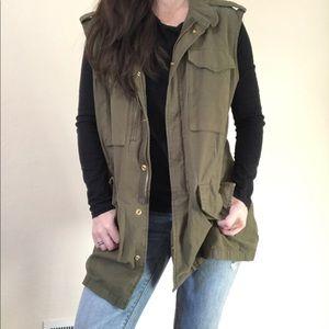 2/22  SALE!! 🎉 Zara |  Spring  army utility vest